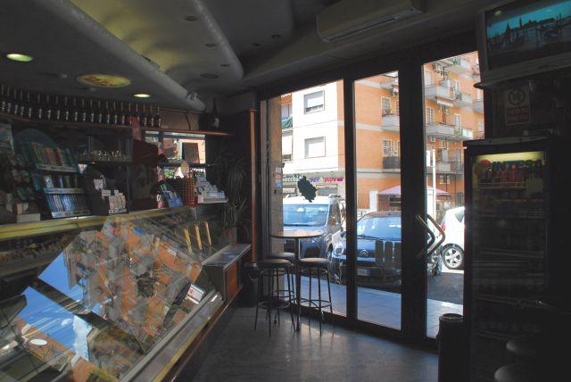 Roma collatina vendita affitto e vendite spazi for Affitto immobili commerciali roma